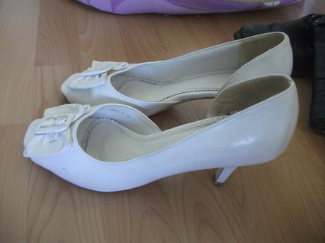 biele topanky pre nevestu, 39
