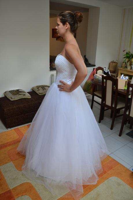 kamínkové třpytivé svatební šaty, 38
