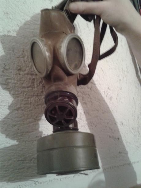 plynová maska,