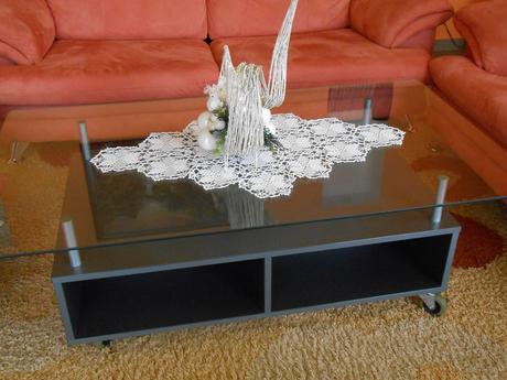 väčší konferenčný stôl - IKEA,