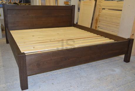 Ihneď k odberu - posteľ z masívu,