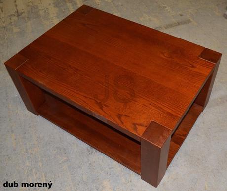 Konferenčný stolík z masívu,