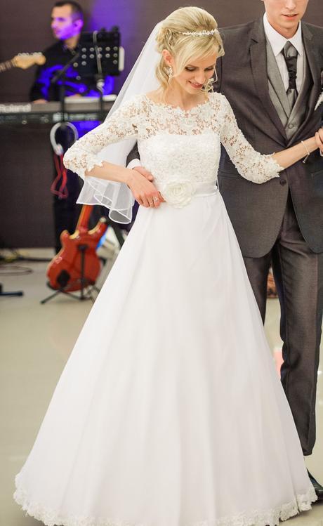 svadobné šaty s krajkou, 34