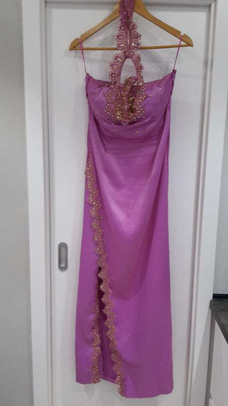 Spoločenské luxusné šaty, 38