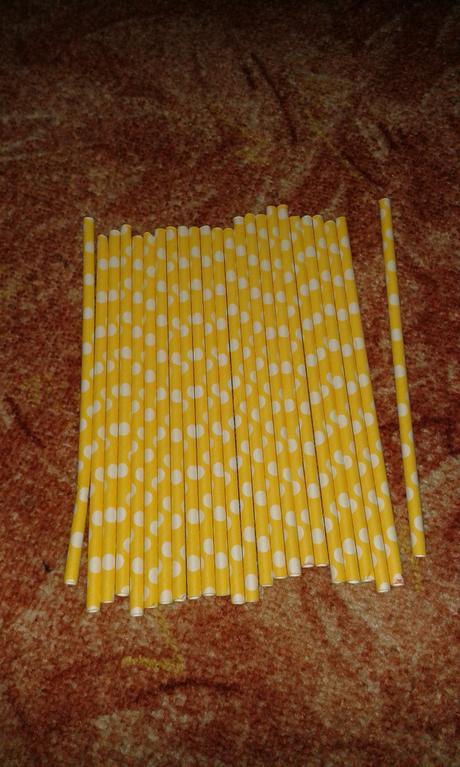 Brčka žlutá puntík,