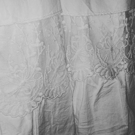 Popůlnoční šaty, 38
