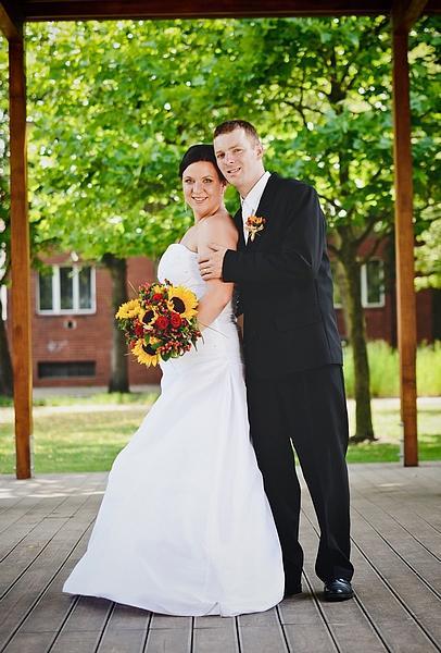 Svatební šaty taftové s vlečkou, 42