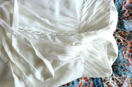 Svatební šaty s kamínky smetanové barvy, 40