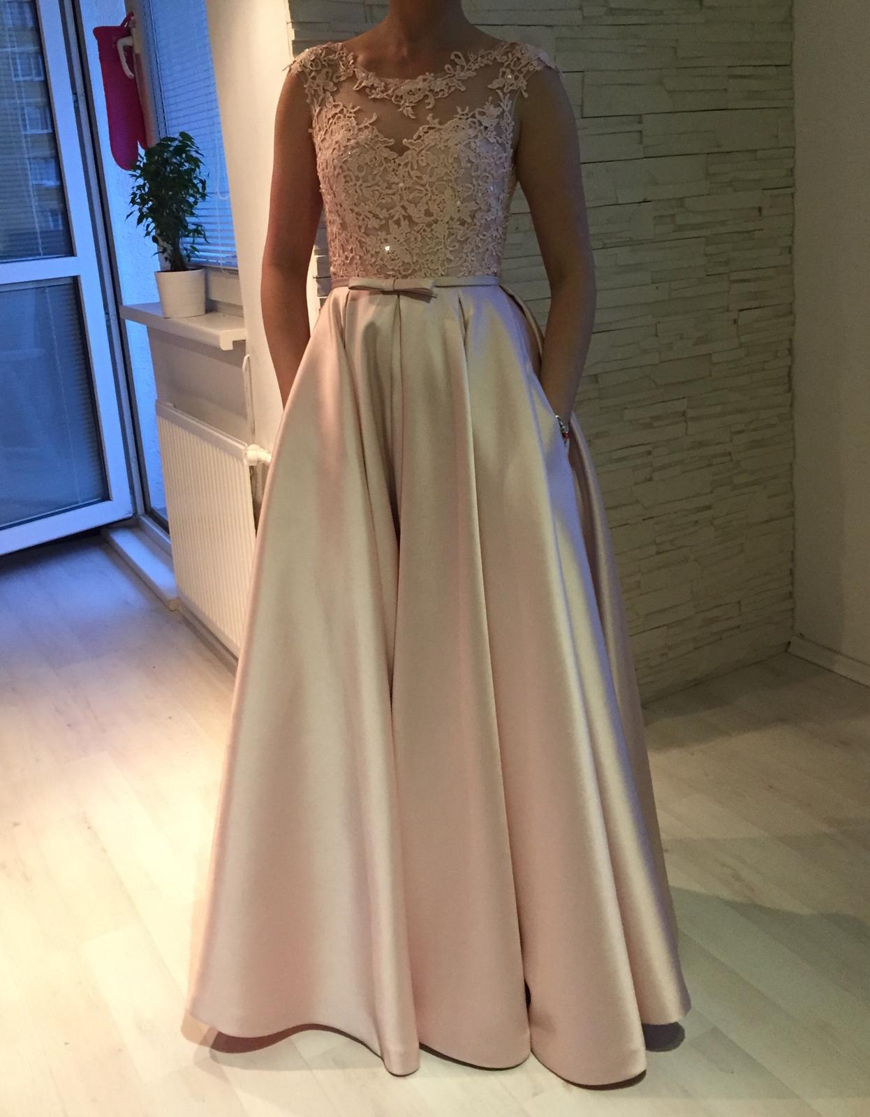 Popolnočné šaty 1c246689536