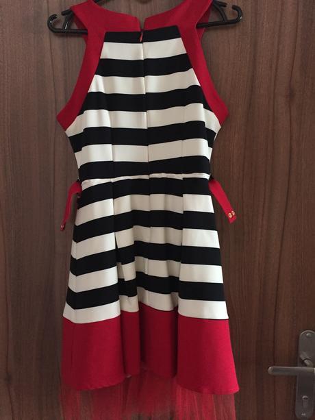 pruhovane šaty do A, 38