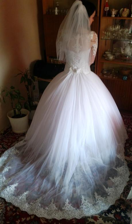 Svadobné šaty na šnurovačku, 36
