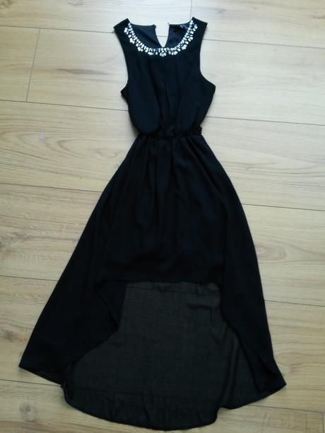 Nepoužívané šaty, XS