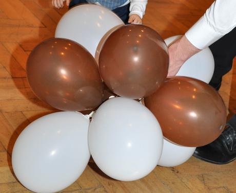 Nafukovací balonky hnědé ,