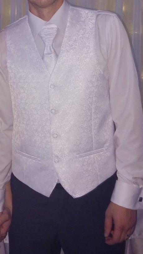 Svadobná vesta, francúzska kravata a vreckovka, 52