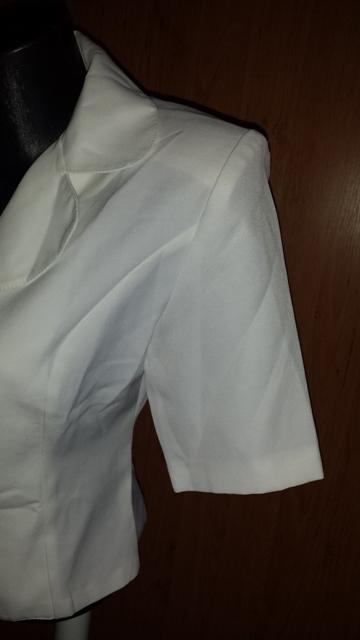 Biely kostým, 34