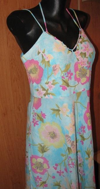 Bledomodré šaty, 40