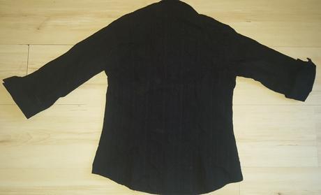Čierna blúzka, 42