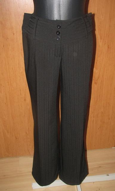 Čierne nohavice, 38