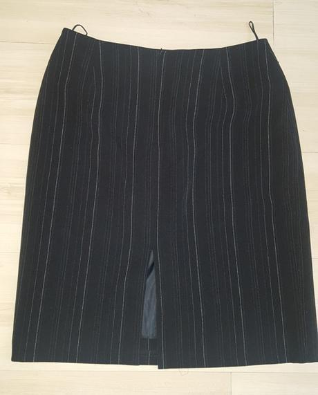 Čierny kostým 4 kombinácia, 42