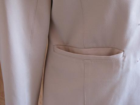 Krémové sako, 40
