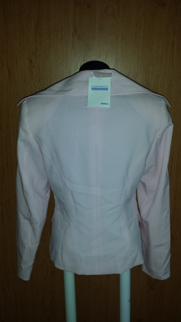 Ružové sako, 38