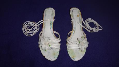 biele sandále, 40