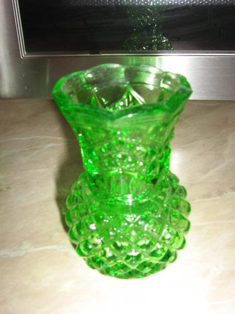 vazička zelena ,