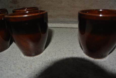 keramické štamperlíky,