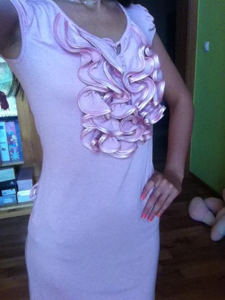 Šaty s volánikmi, 36