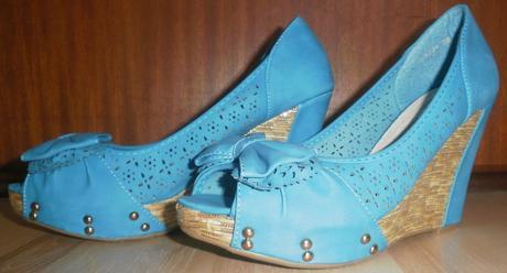Sandálky s mašličkou na platforme, 38