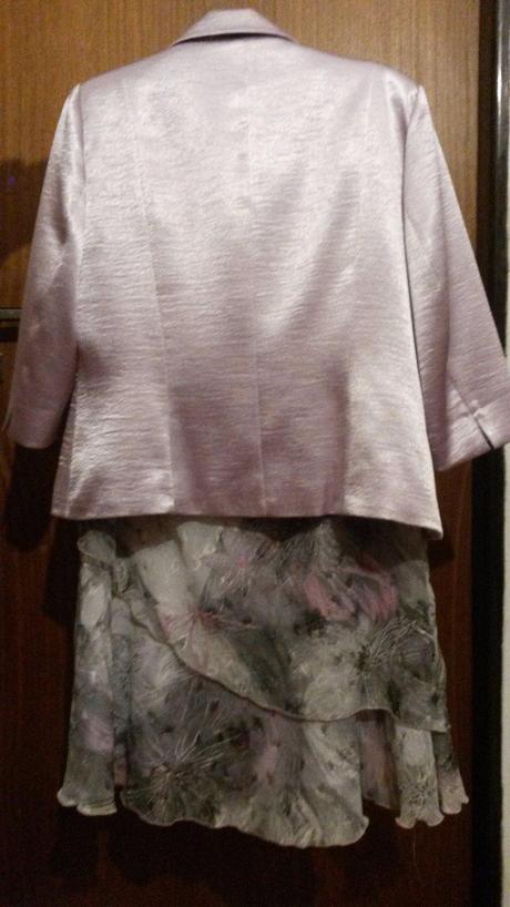 Sukňový kostým , 44
