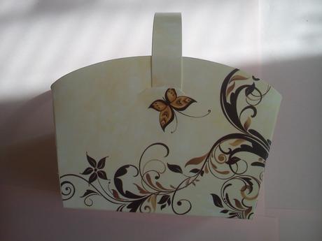 Svatební košíčky béžové s motýlkem,