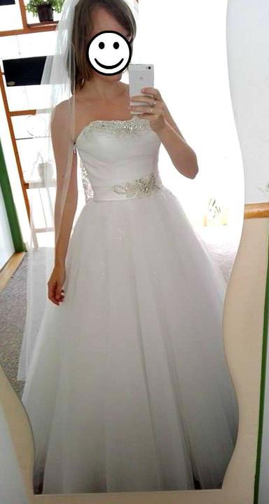 Značkové princeznovské šaty, 38