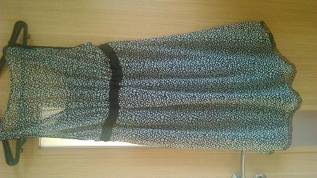 Čierno biele krátke šaty, 42