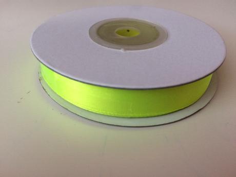Saténová stuha 12mm  neonově zelená,