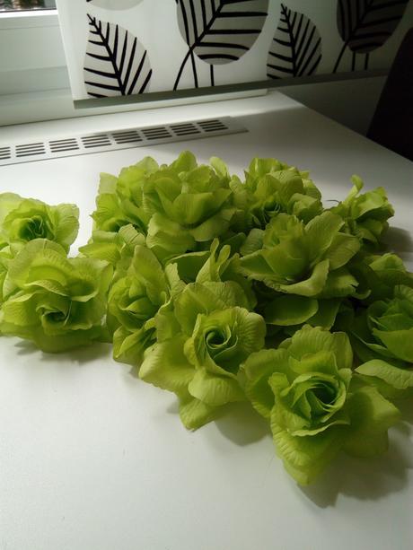 umělá  růže látková,