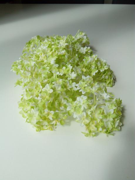 umělé květy, květiny zelené, svazek kvítků,