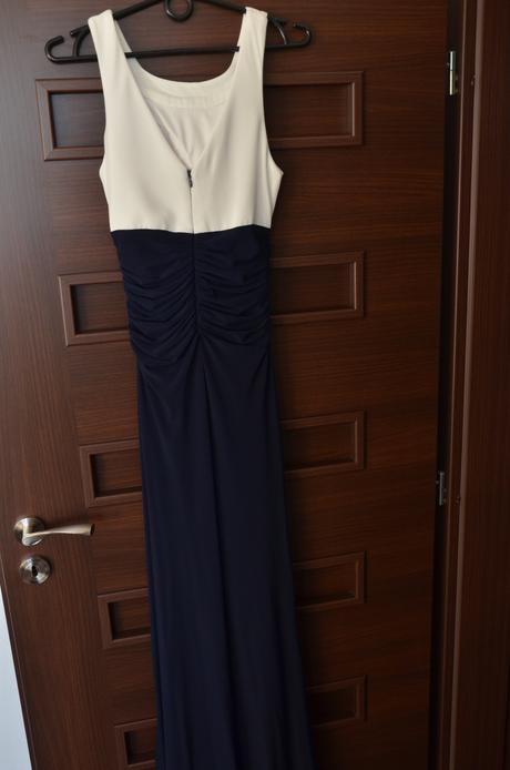 Bielo-modré spoločenské šaty, 36