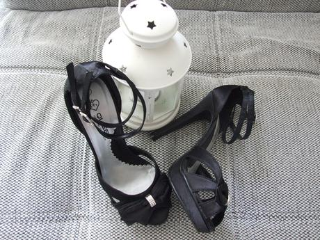 Čierne saténové sandálky , 38