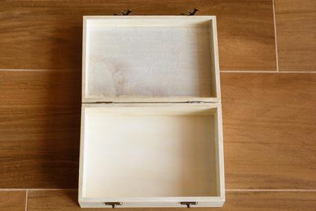 Drevená krabička,