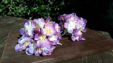 2ks umělé fialové hortenzie,