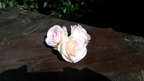 3 ks umělých květů,