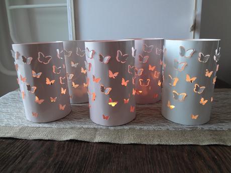 Svícny s motýly,