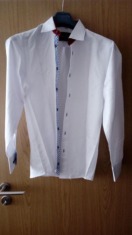 Bílá košile, 40