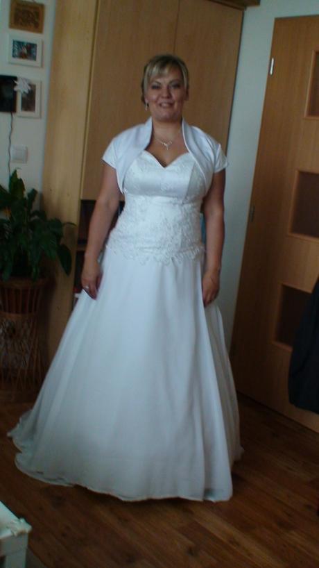 svatební šaty s kamínky Swarowski, 42
