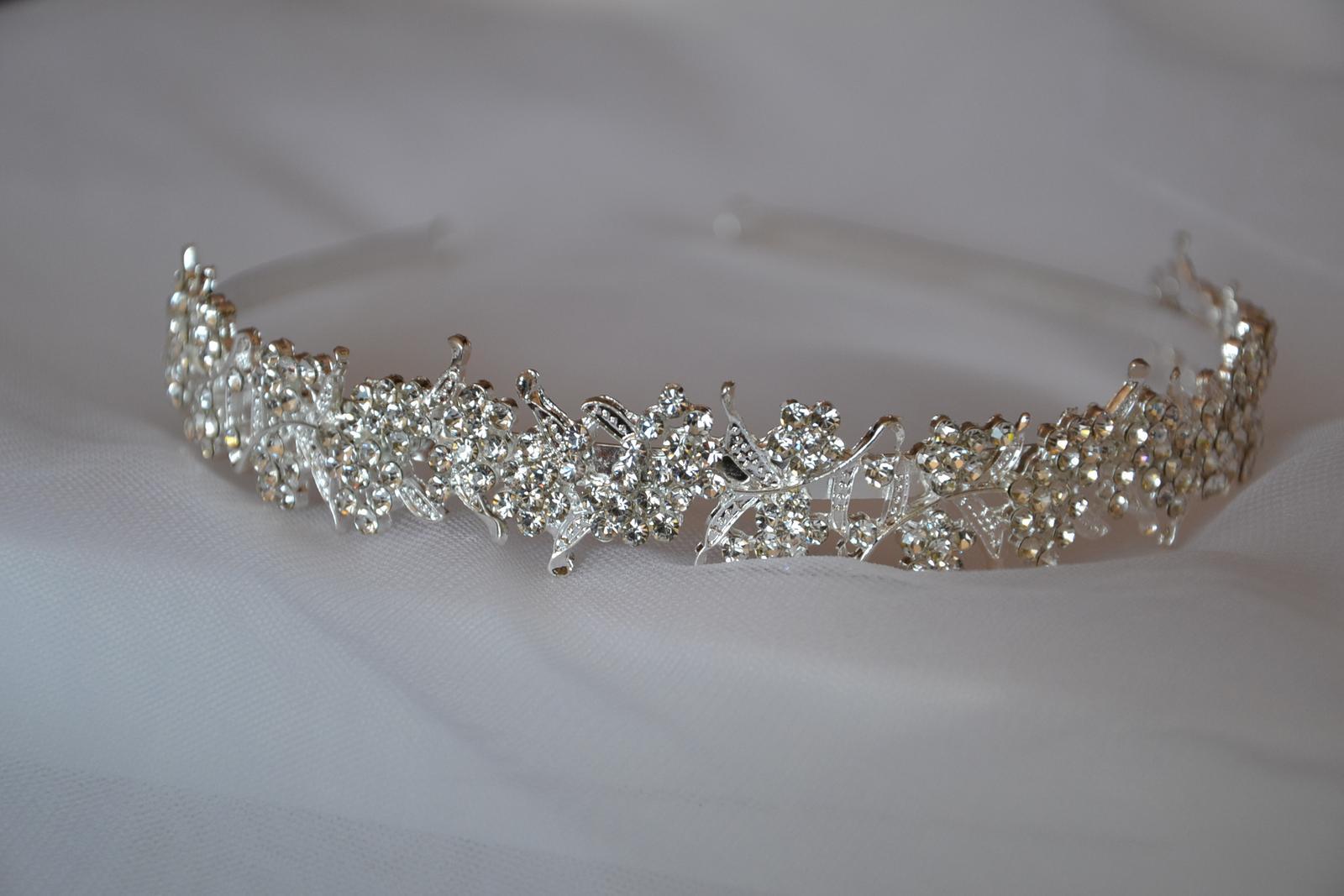 Svatební čelenka 541daf40b7