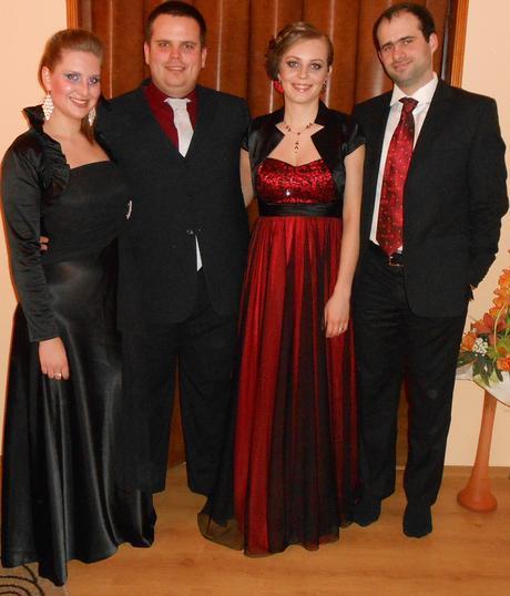 Červeno - čierne dlhé spoločenské šaty, 38