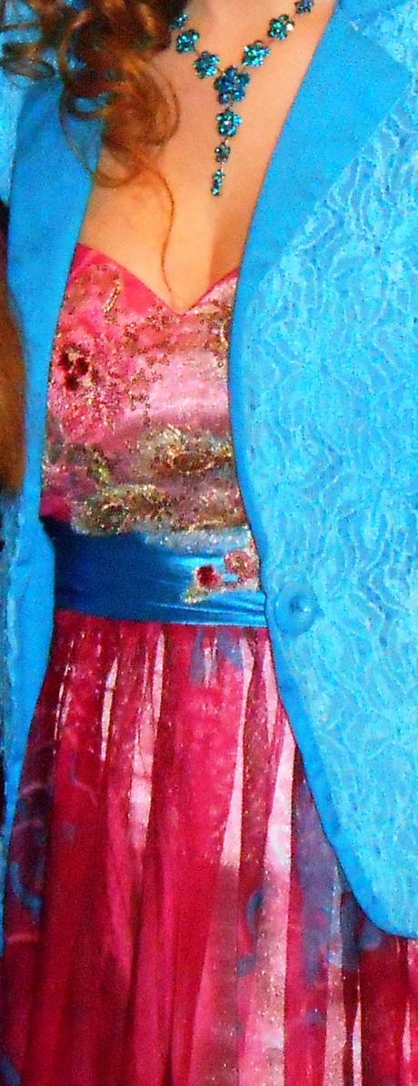 Dlhé ružovo - modré šaty, 38