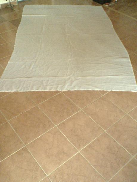 bielá záclona,