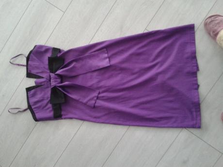 Nádherné fialové šaty, M